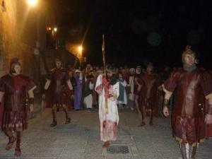 via crucis nei sassi croce