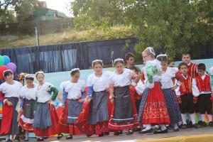 Bambini della scuola primaria di S. Costantino A. in costume tradizionale