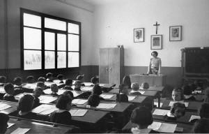 Aula di una scuola elementare a Tessera. Anni '30.