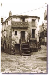 """Foto rilevata dal libro di A. Capuano """"Com'era bello... e com'è... il mio paese"""""""