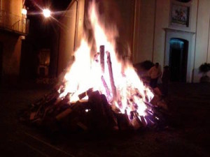 Il grande fuoco del Giovedì Santo